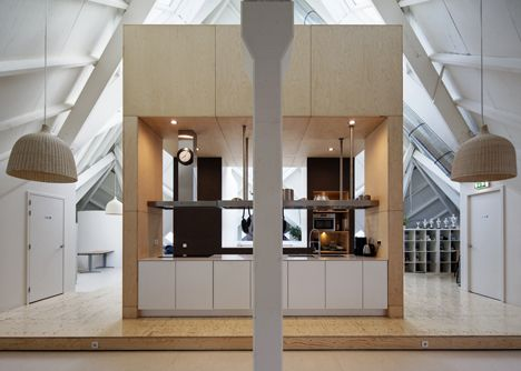 Renovation of Piet Bloms' Supercube by Personal Architecture