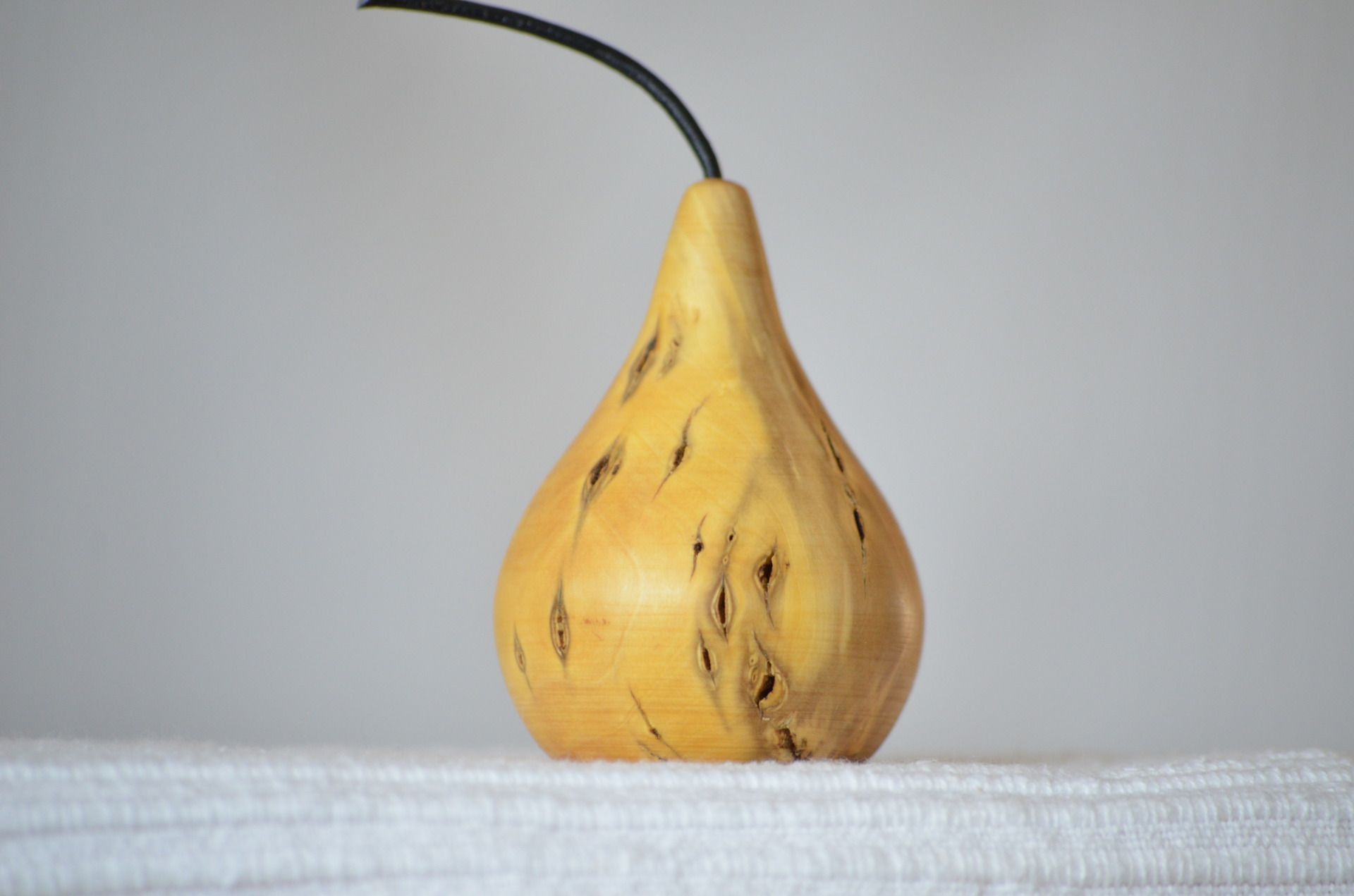 Poire en buis naturel tourn artisanalement accessoires for Alcool de poire maison