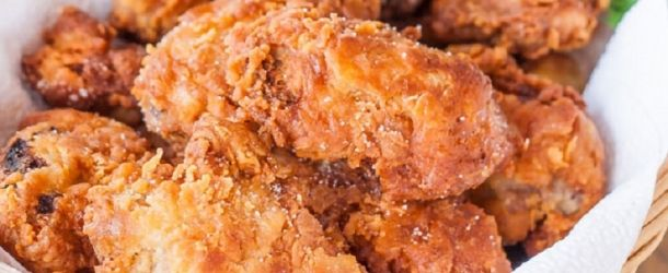 Ingredients: 2 cups buttermilk 2 eggs 1 tsp paprika 1 tsp hot sauce (I used some Louisiana Hot Sauce) salt and pepper to taste 2 tsp baking powder 1½ tsp baking soda flour 1 lb of chicken wings, or chicken breast (or even legs) vegetable or canola oil for frying (I use LouAna canola oil) Instructio…