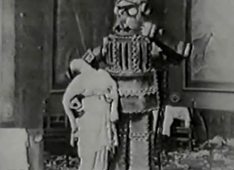 1913 Italian movie robot