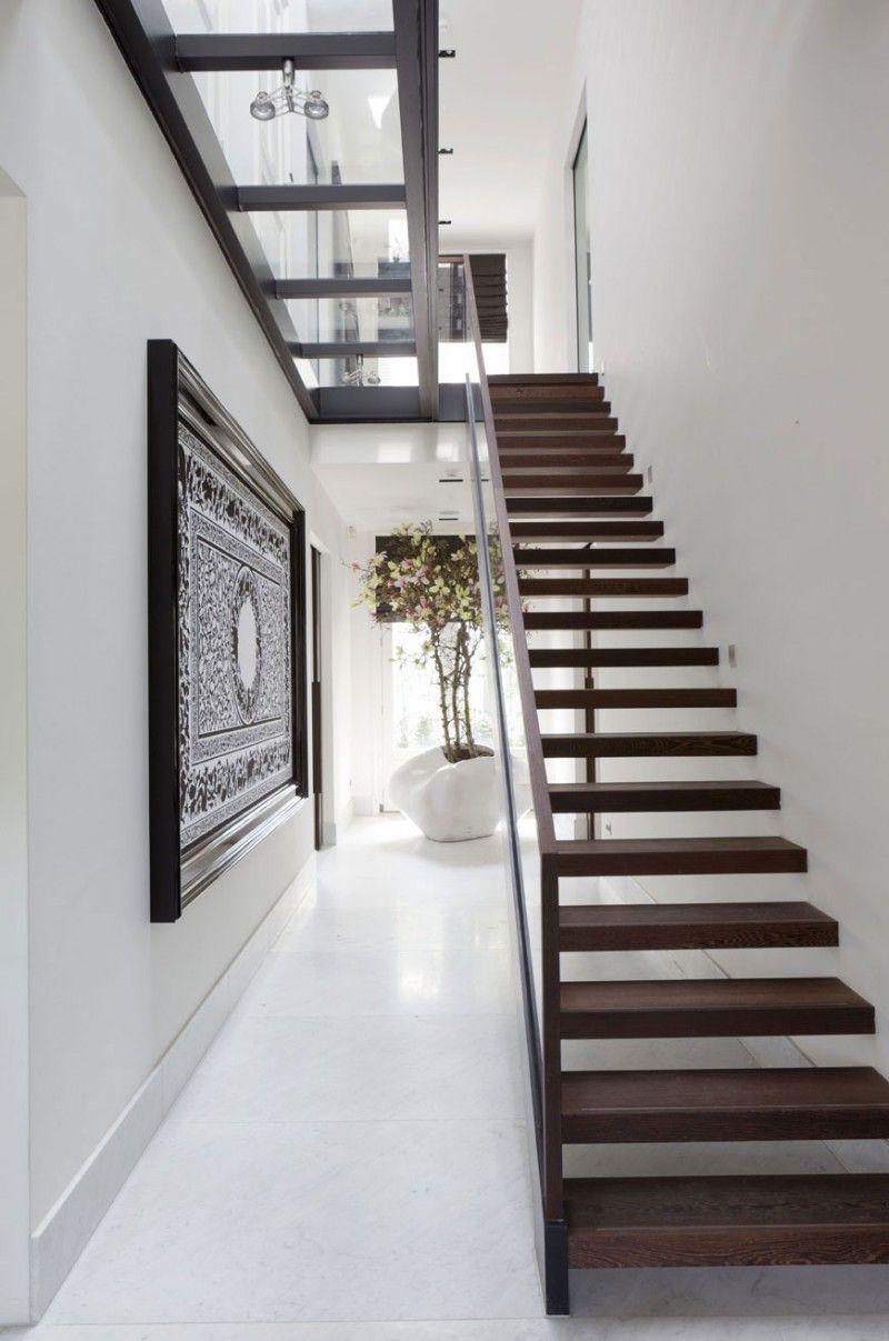 diseo de interiores u casa con claraboyas ventanales y techos altos para aadir