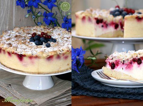 Jochelbeere-Schmand Kuchen Jostaberry sour cream cake