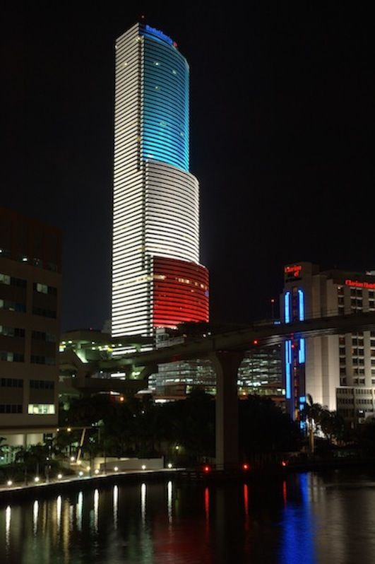 Bank Of America Tower Centrust Downtown Miami Florida