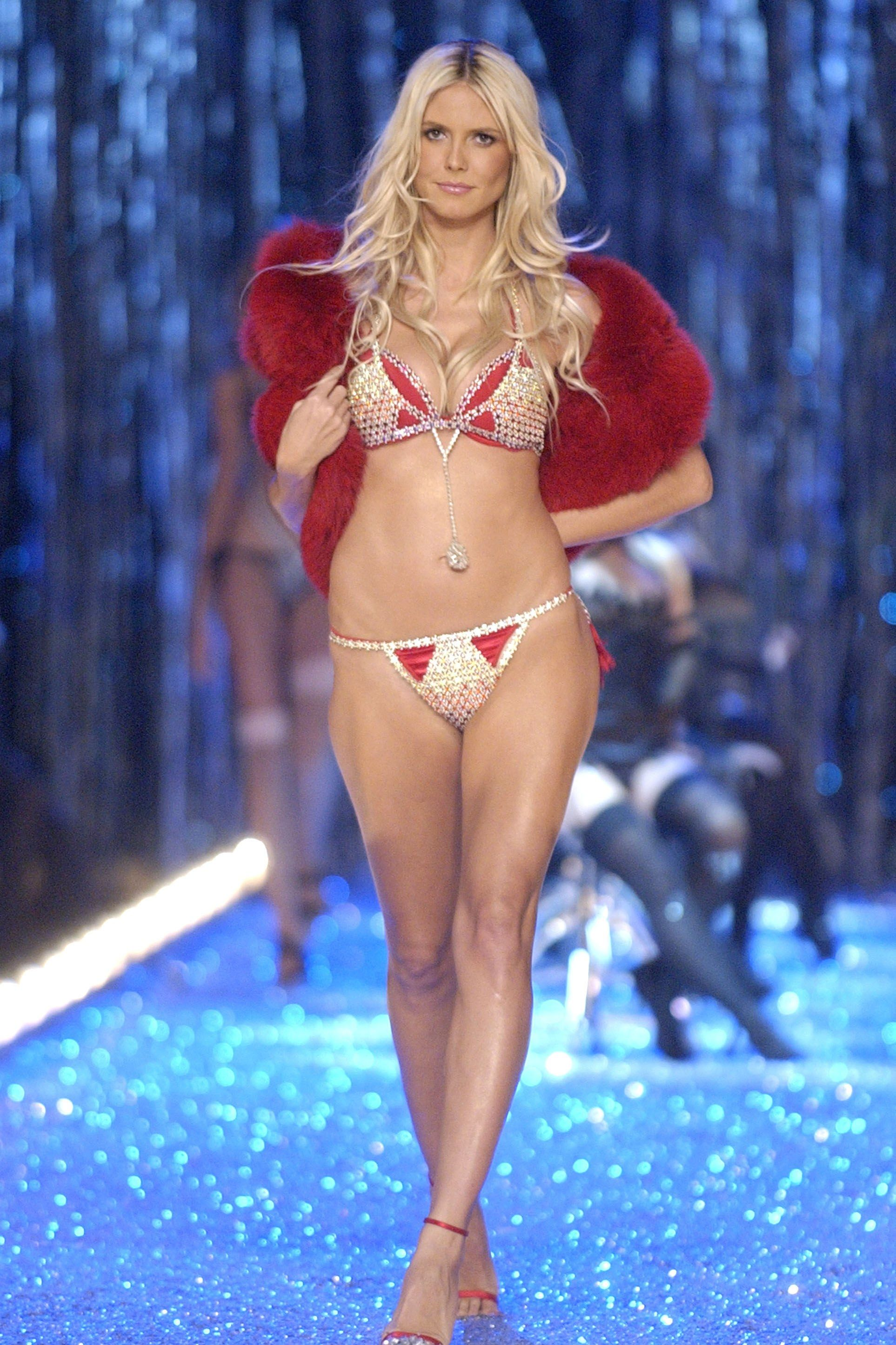 Resultado de imagen para Heidi Klum Very Sexy Fantasy Bra