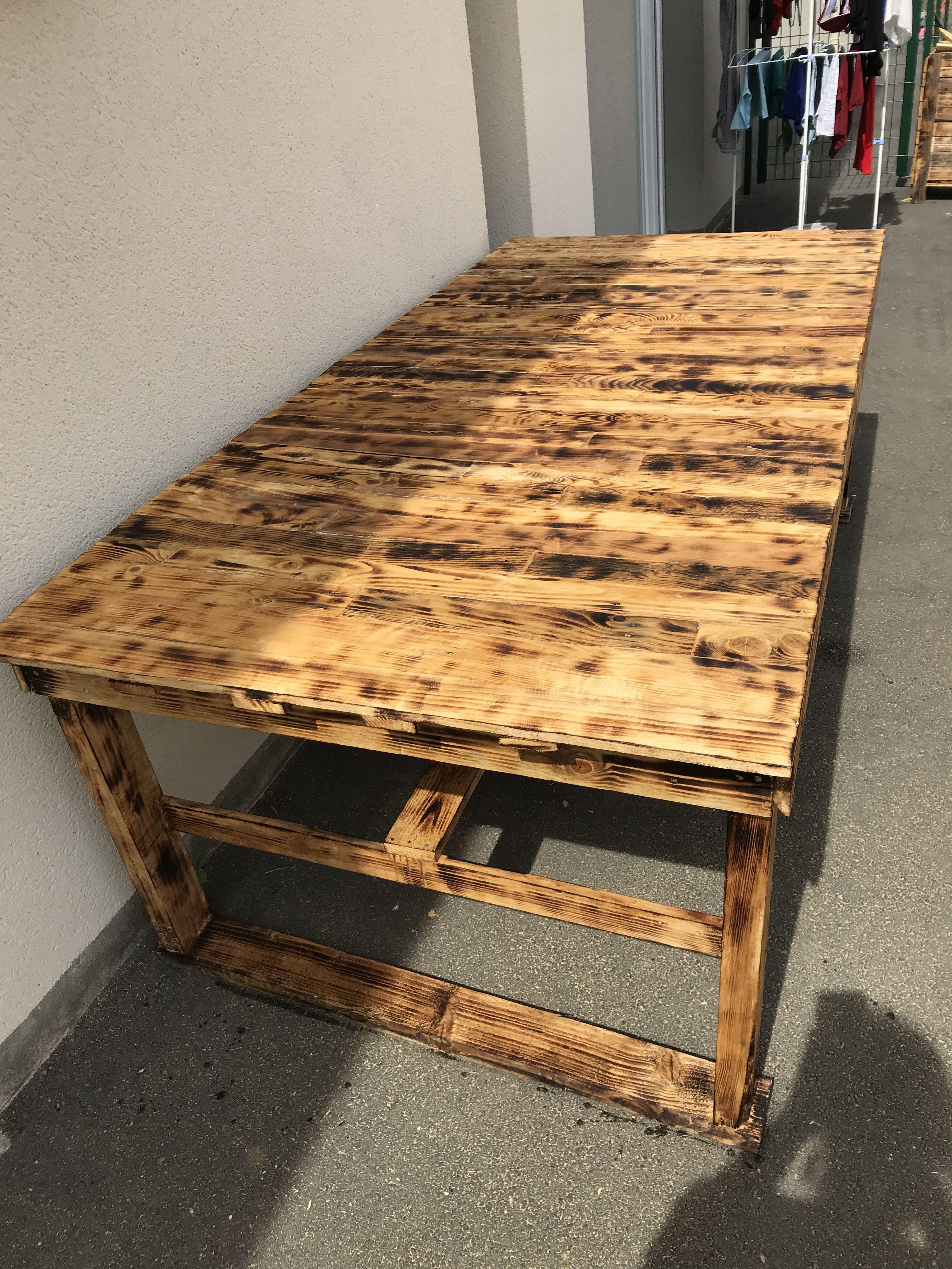 Normal Studio Stoco Blister Coffee Table En Bois Brule Bois Brule Bois Table Basse D Appoint