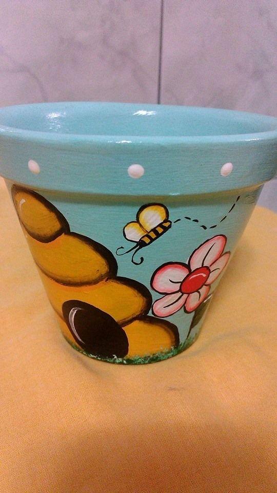 Vaso de cerâmica! https://www.facebook.com/tatianaschaun.artesanatos?ref=hl
