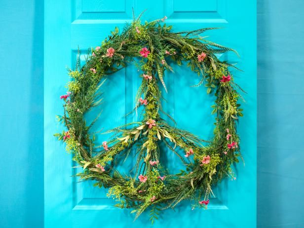 How To Make A Peace Sign Wreath Hippie Crafts Diy