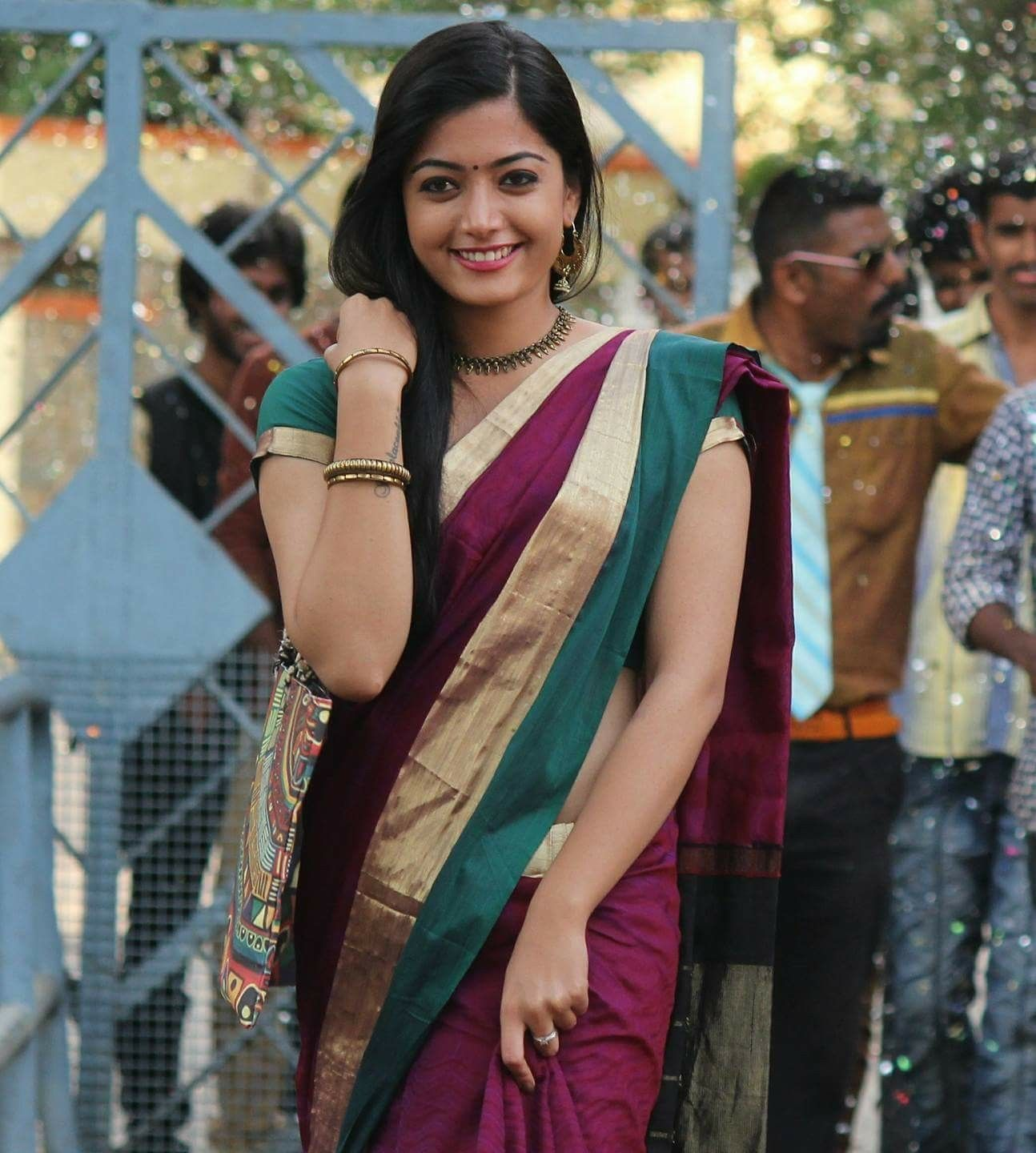 Pin By Vish On Rashmika Geeta Govidam In 2018 T-9563