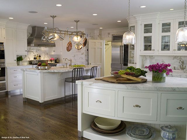 Beautiful kitchen with 2 islands Heaven! Great ideas Pinterest