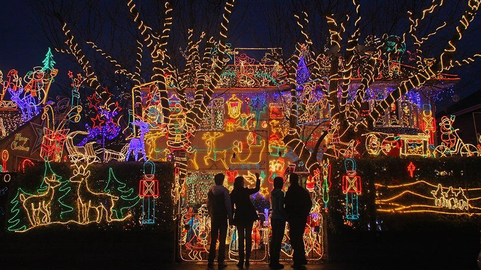 Holiday Lights From Around The World Photos In 2020 Best Christmas Lights Holiday Lights Display Christmas Decorations For The Home