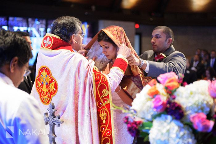 Chicago Indian Wedding Ceremony Photos Manthrakodi Sari Placed On Bride By The Groom