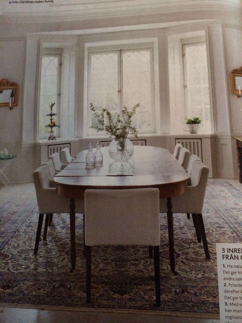Bord och klädda stolar | Stolar, Matsal inredning, Interiörer