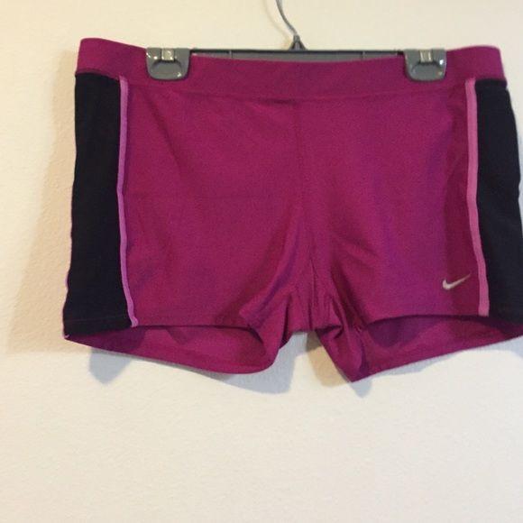 Magenta Nike spandex shorts Magenta Nike shorts. Spandex material Nike Shorts