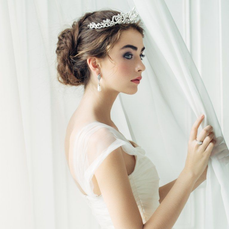 Haare offene braut diadem Hochzeitsfrisuren offene