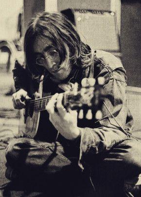 John Lennon Play Guitars Music Poster Print Metal Posters Displate In 2020 John Lennon Beatles John Lennon John Lennon Yoko Ono
