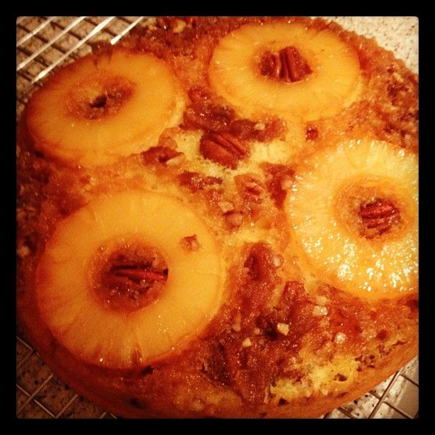 Pineapple upside-down cake for Dad:)