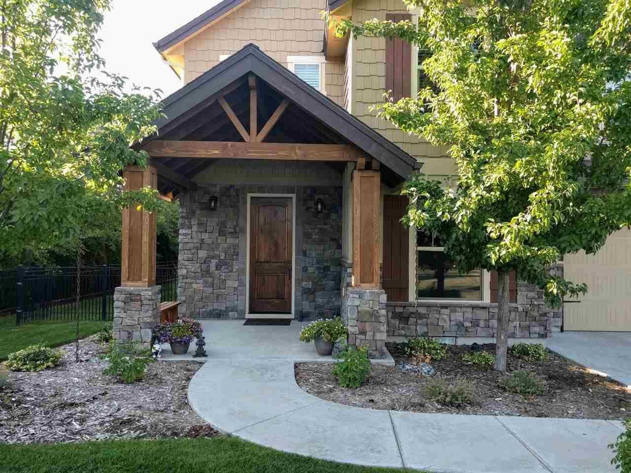 Https Dan Buyidahohomes Com Homes 2820 S Lake Vista Lane Eagle Id 83616 73877250 Idaho Homes For Sale Home House Styles