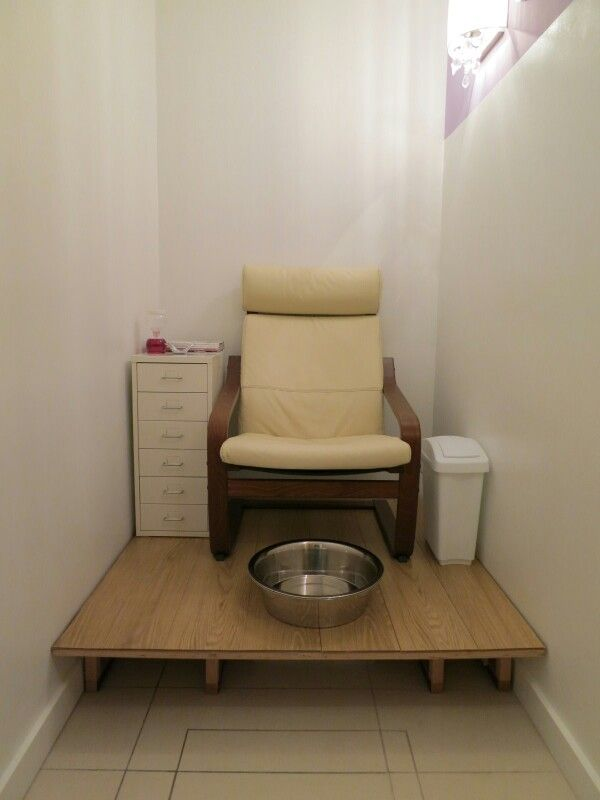 This is my current pedicure station salon de belleza for Sillas para hacer pedicure