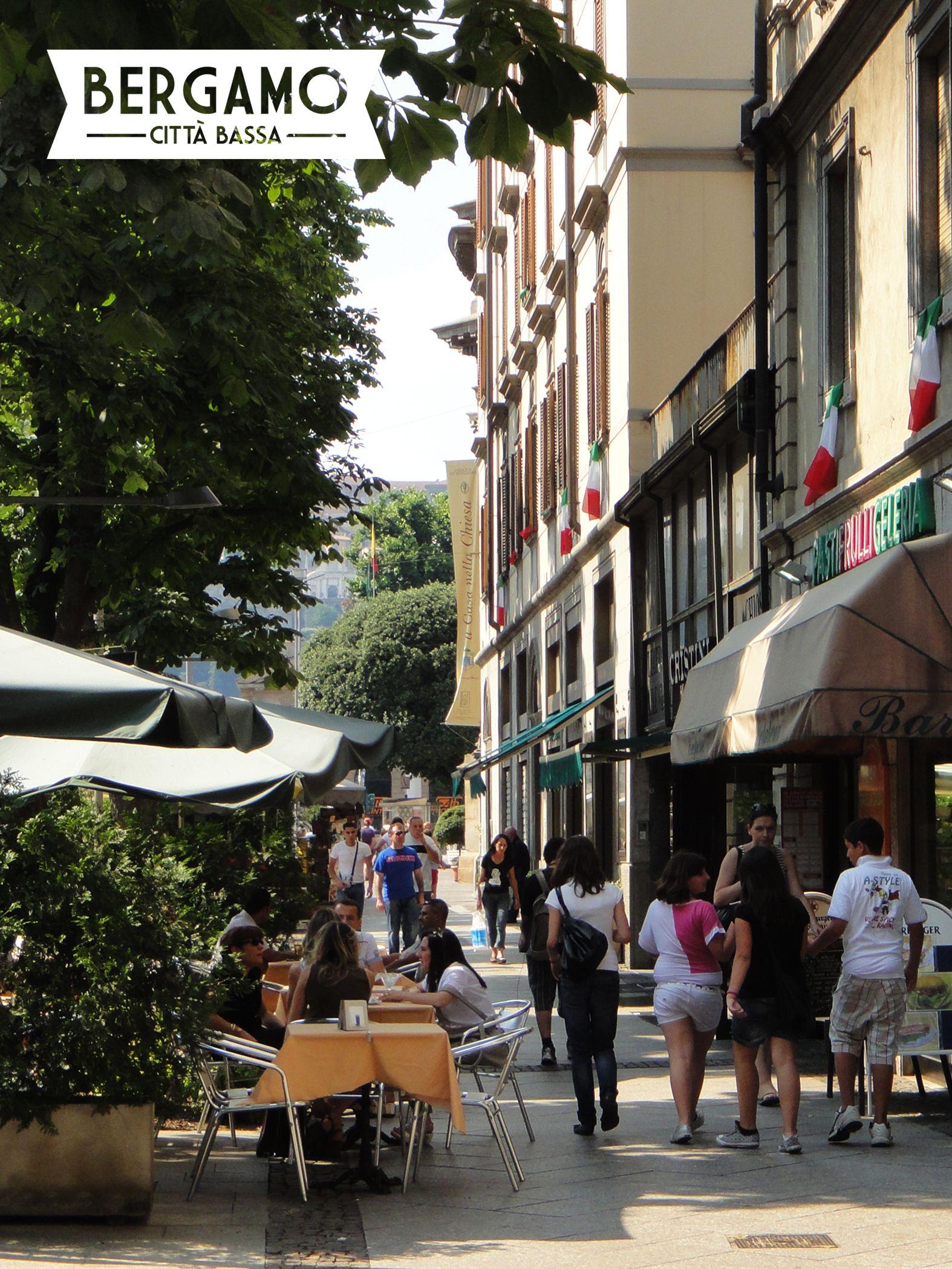 The main street in Città Bassa, Viale Papa Giovanni XXIII. It stretches from the train station up to Porta Nuova, the funicolare, and Città Alta.