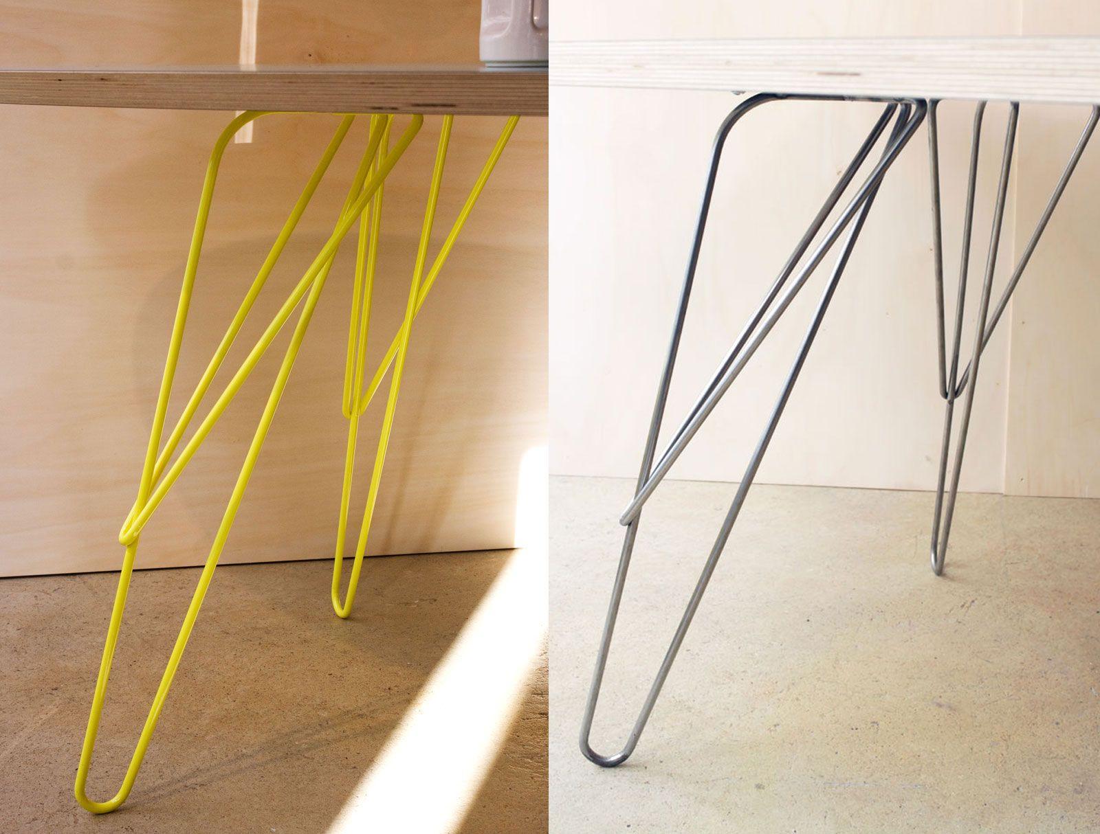 W est un pied de table modulaire en fil de métal aérien et solide