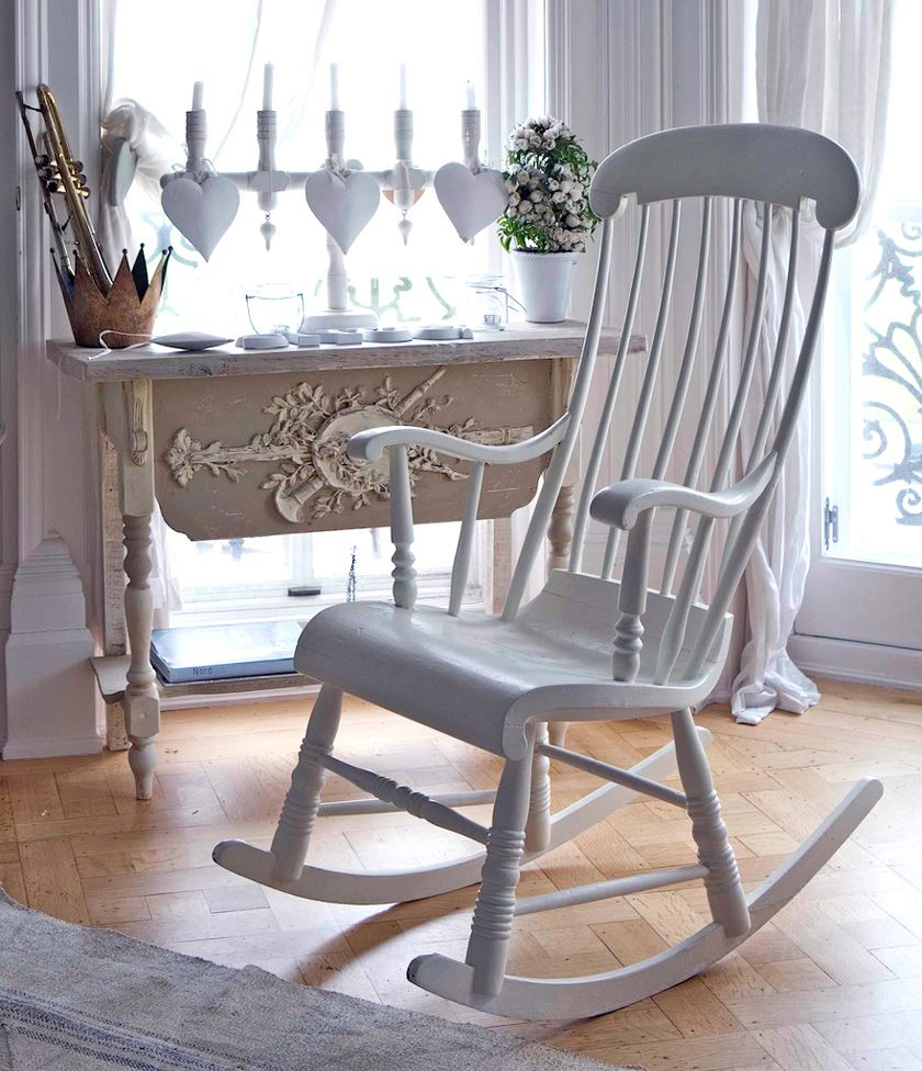 the swedish country house/images | swedish country gungstol
