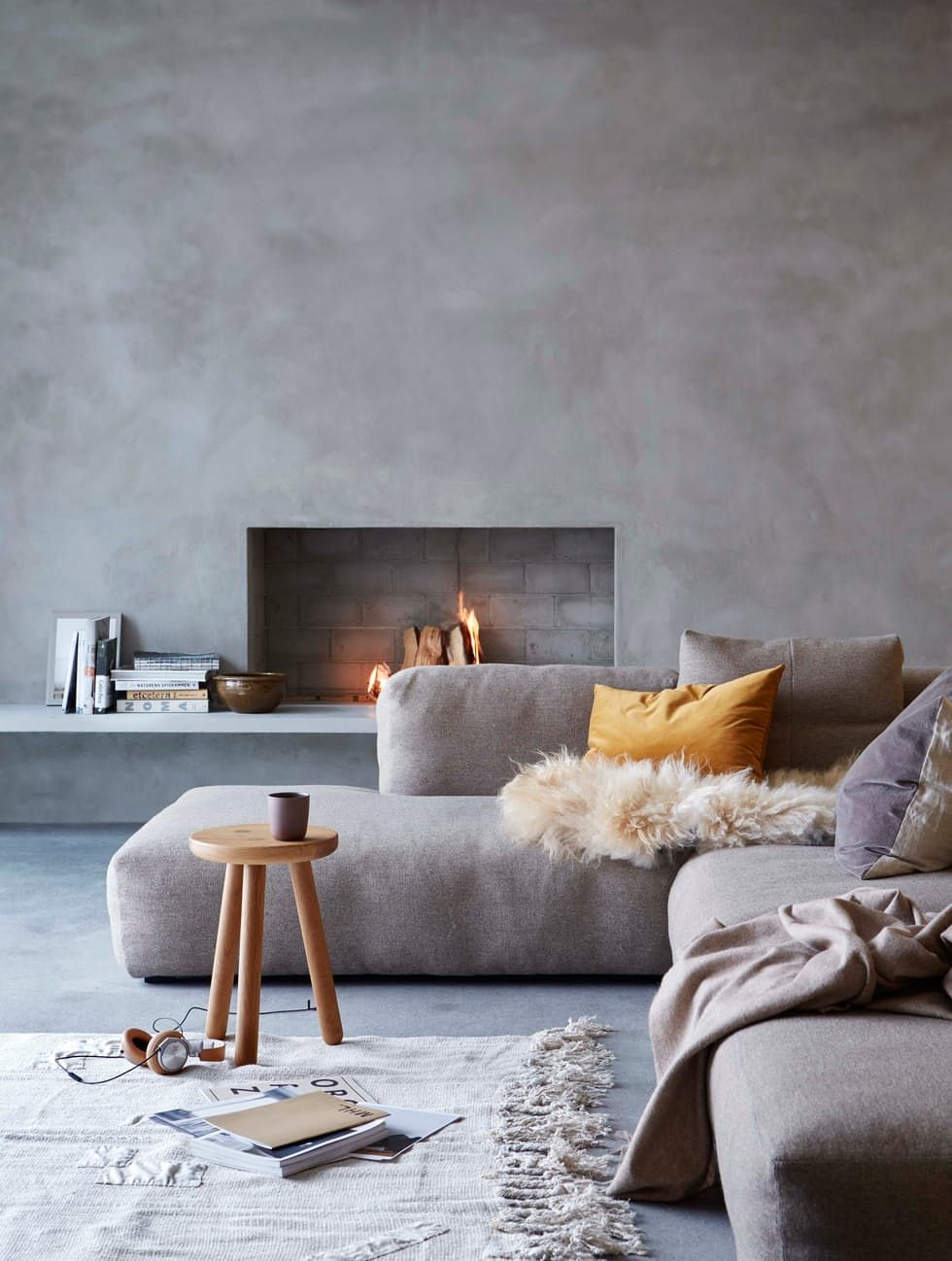 There Needs To Be An Art Piece Hanging Over That Fireplace Just Opinion But Still Love Interior MInimalism By LEUCHTEND GRAU