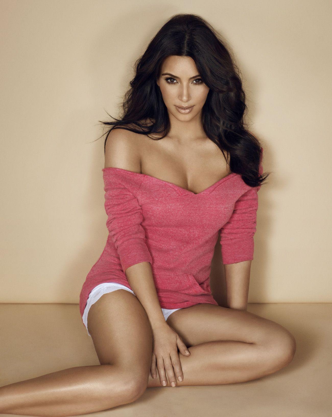 Entertainment | Kim kardashian, Sexy y Pelo con volumen