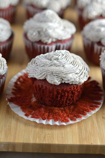 Red Velvet Oreo Cupcakes with Oreo Frosting | A Taste of Madness #oreofrosting