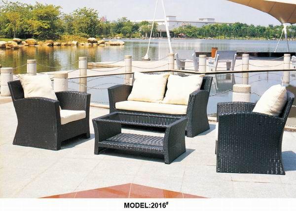 Tavolo Rattan ~ Gazebo con divani e tavolo in plastica effetto rattan marrone nero