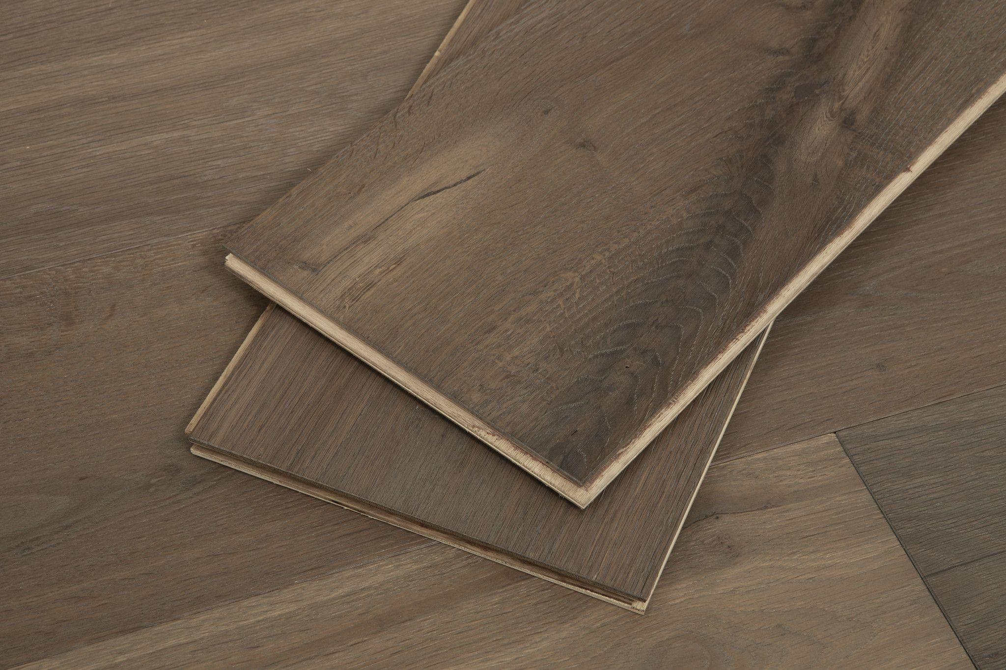 Vineyard Oak Extra Wide T G Cali Hardwoods Flooring Oak Engineered Hardwood Engineered Hardwood Engineered Oak Flooring