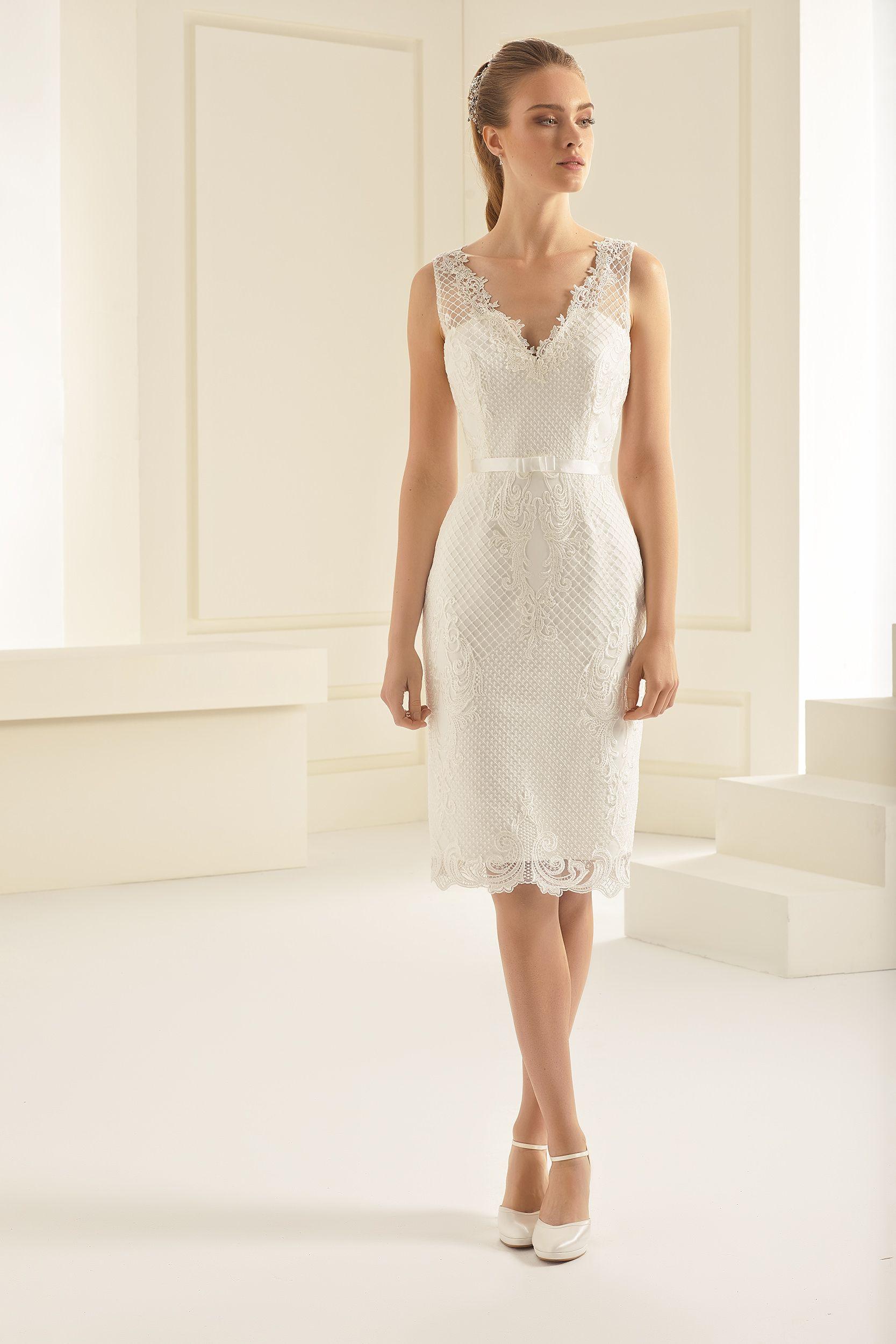 Auch Dieses Modell Kurzes Brautkleid Bzw Standesamtkleid Bei Uns