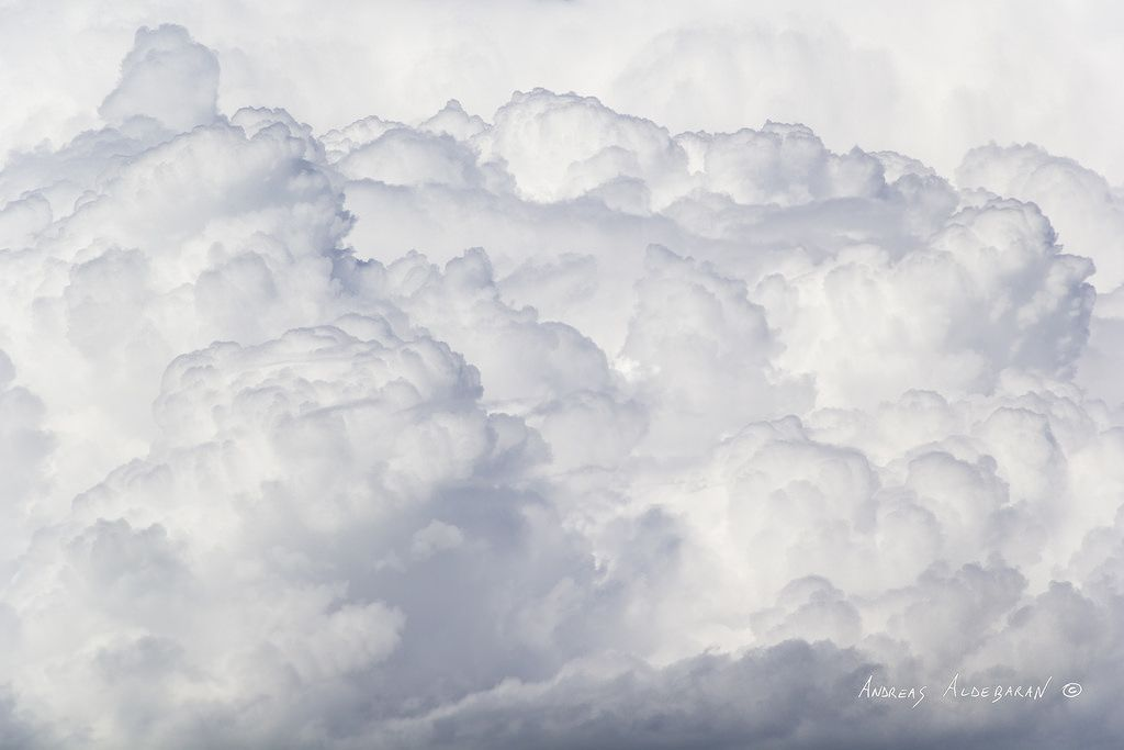 https://flic.kr/p/Gq6yr3   Una Montagna di Nuvole   A Clouds Mountain  - - - Dimensione originale: 4860 x 3240 px Canon EOS 60D + Canon EF-S 15-85mm f/3.5-5.6 IS USM