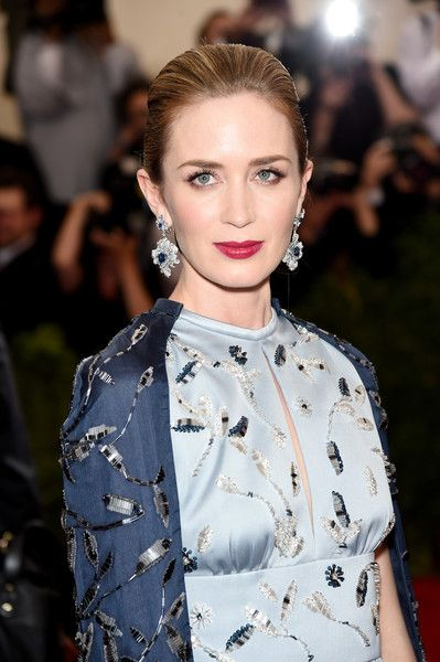 Emily Blunt Photostream | Emily blunt, Dolce and gabbana