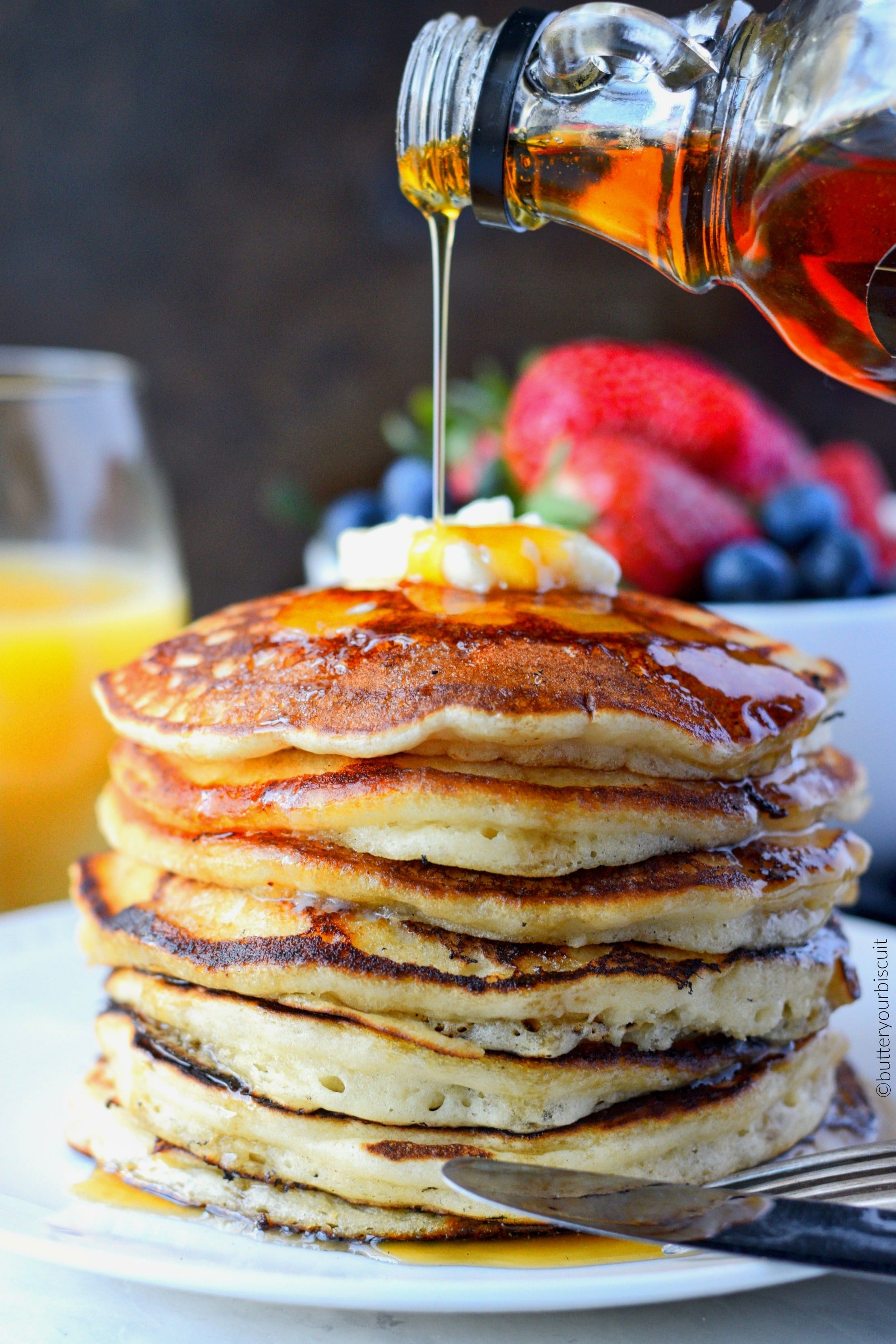 These Ihop Copycat Pancakes Are Just Like Your Favorite Restaurant Soft And Super Fluffy Perfe I Hop Pancake Recipe Ihop Pancake Recipe Copycat Ihop Pancakes