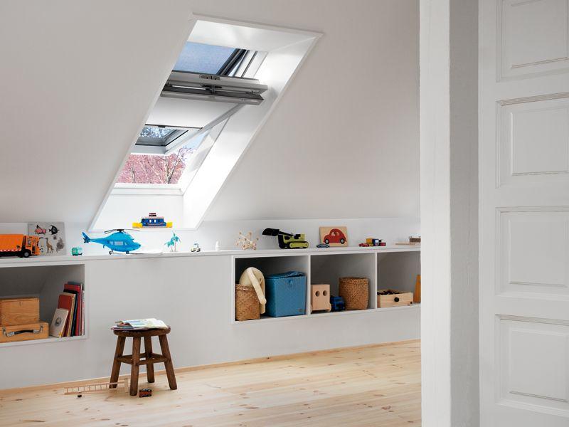 Kinderkamer inspiratie | Kast onder schuine wand | Schuin dak ...