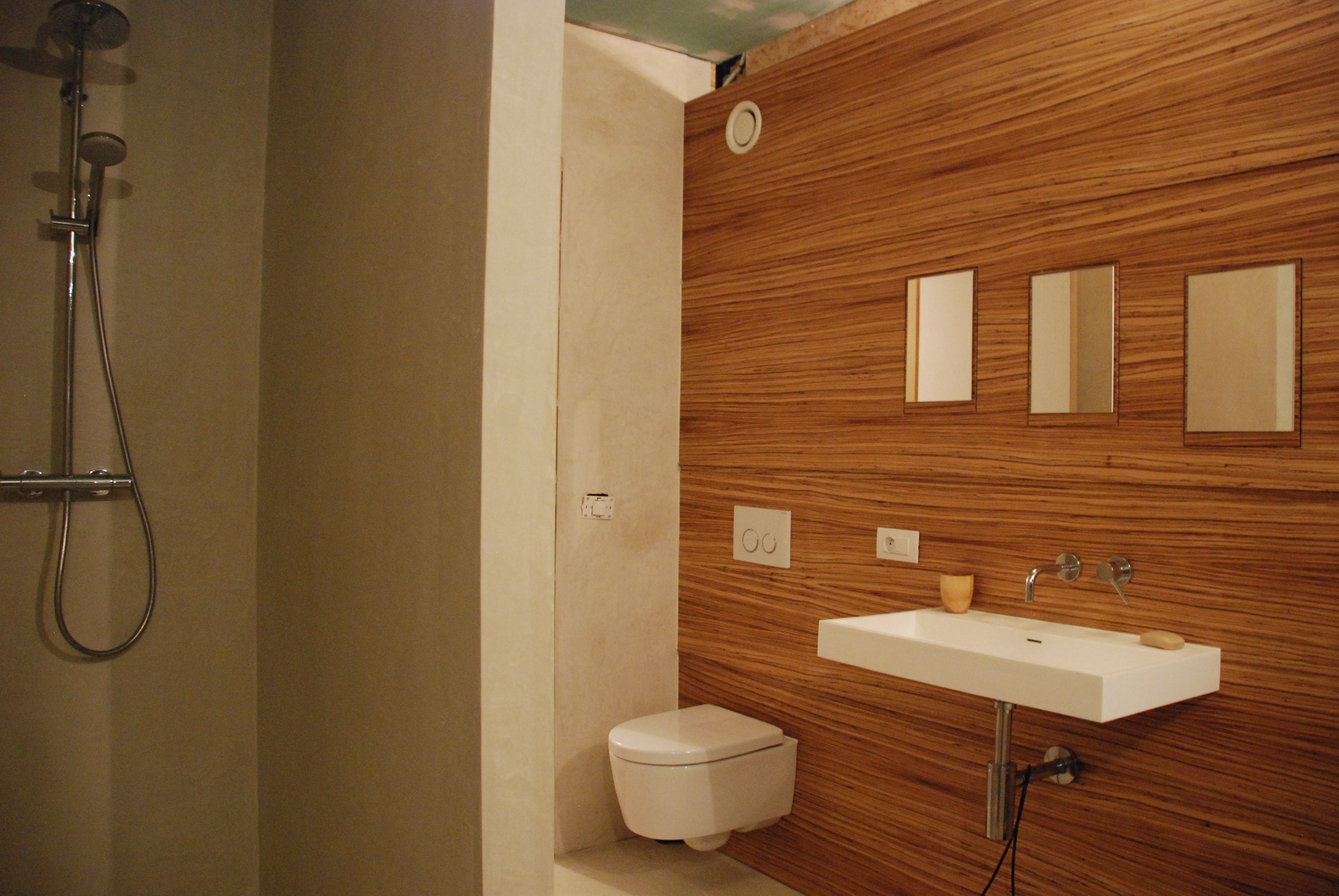 wand in zebrano fineer badkamer pinterest