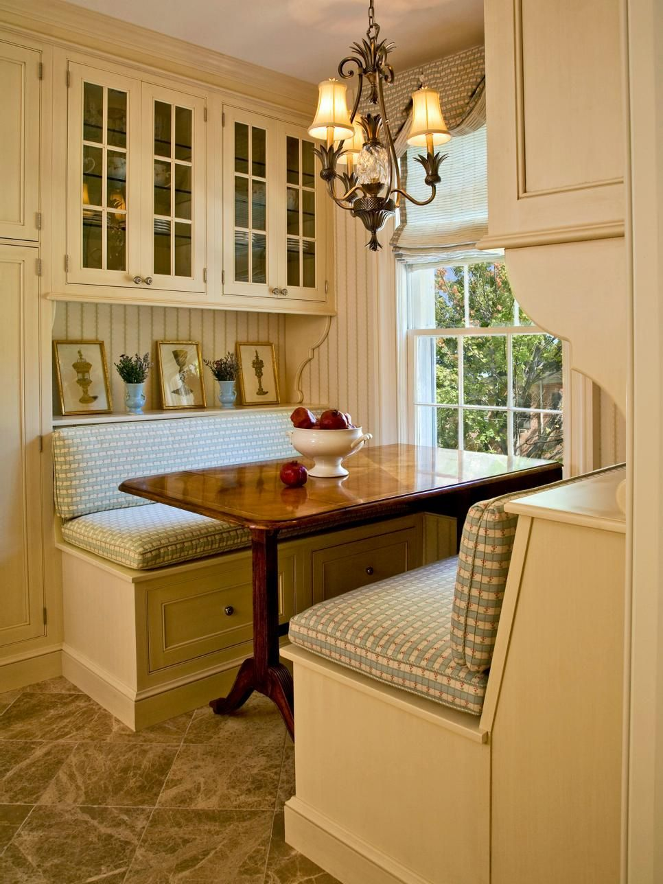 Gorgeous Kitchen Booth Tables