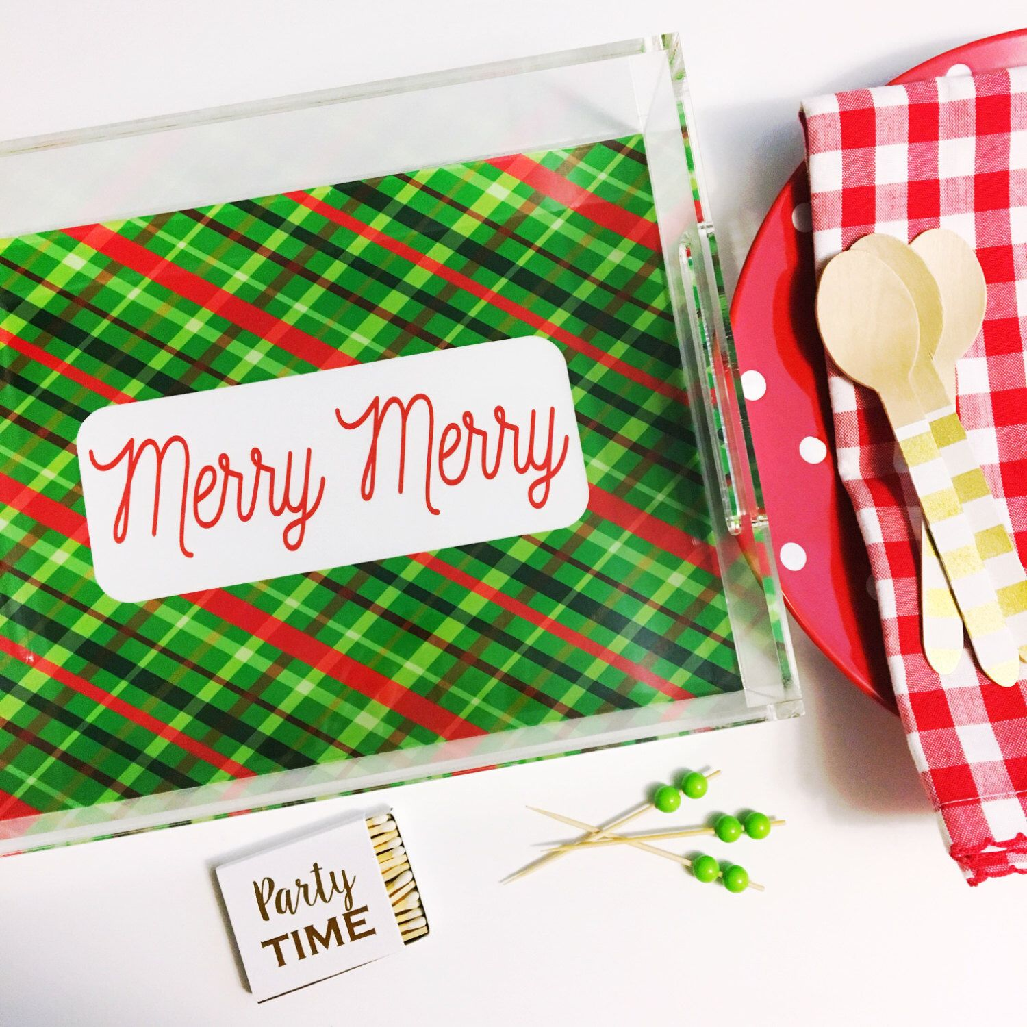 Holiday serving tray 🎄 https://www.etsy.com/listing/488408981/merry-merry-christmas-tray-holiday-plaid