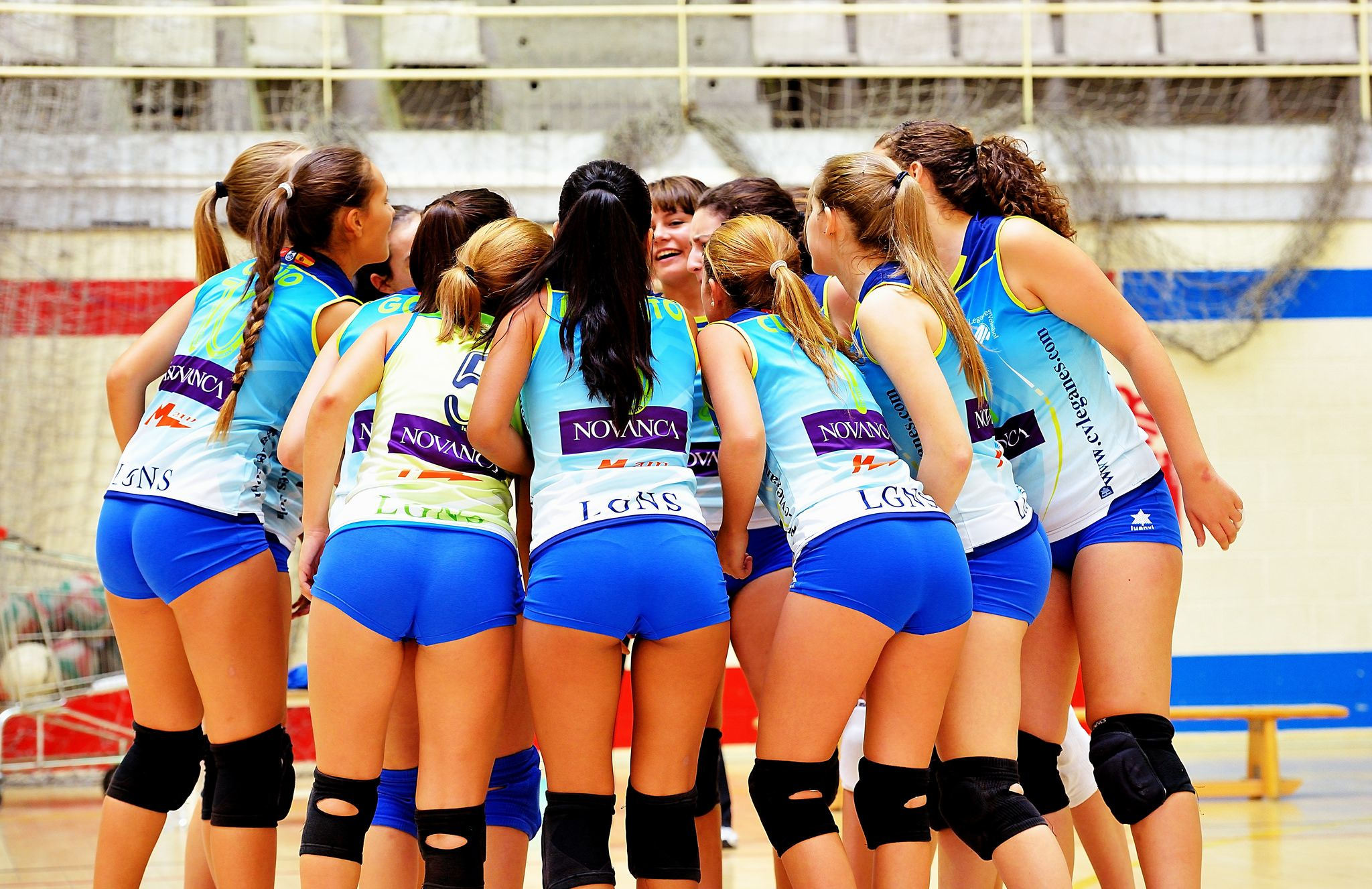 Pin By Landrensremmlife On Spor In 2020 Women Volleyball Volleyball Players Volleyball