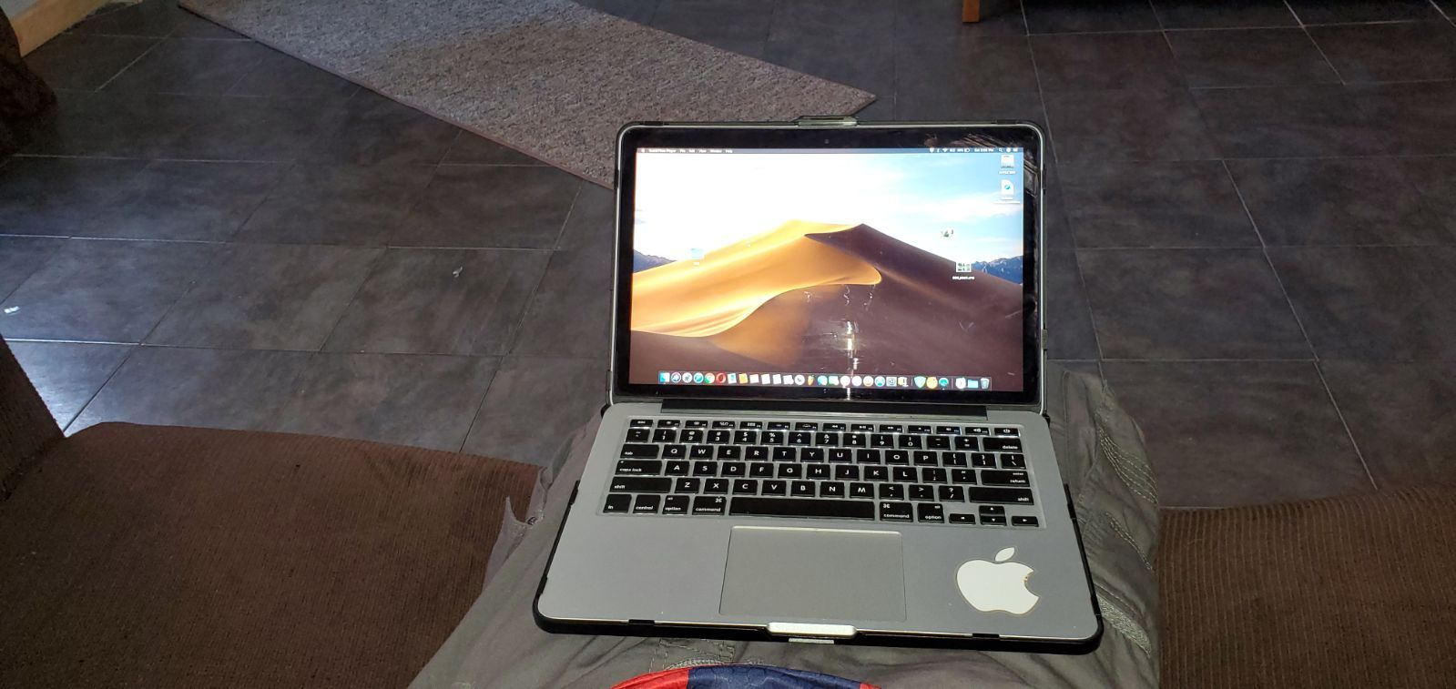 Macbook Pro 13 Retina 2015 2 7 Ghz Intel Core I5 8gb Drr3 Used And In Good Condition With New Charger But Used An Full Battery Macbook Pro 13 Things To Sell