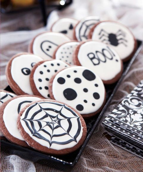 30 Halloween Treats for Your Best Party Yet Halloween fun - fun homemade halloween decorations