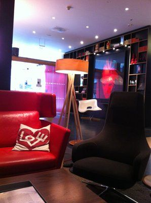 CitizenM Hotels By Concrete Architectural Associates Architects - Citizenm london bankside by concrete architectural associates