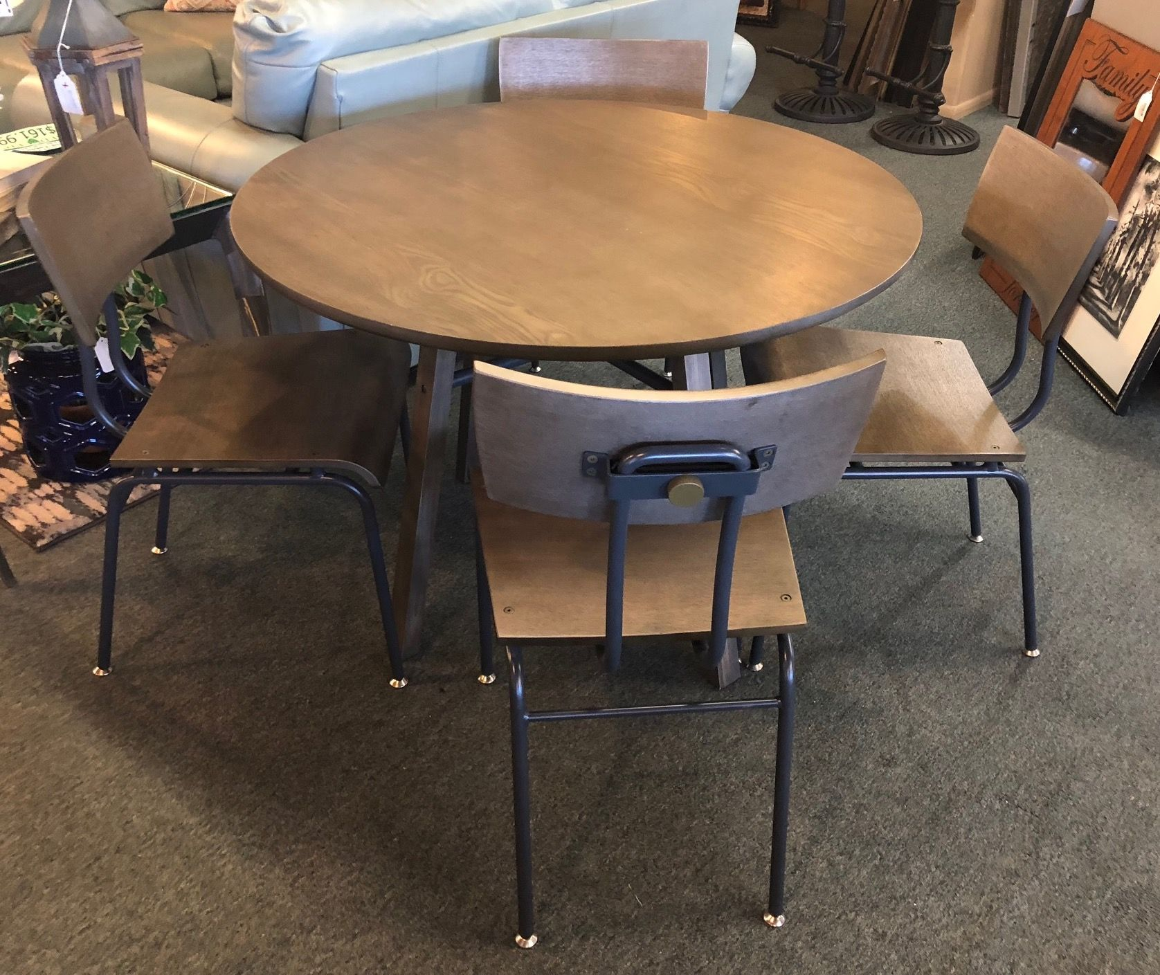 Crate u barrel round table w chairs phoenix voltaire in