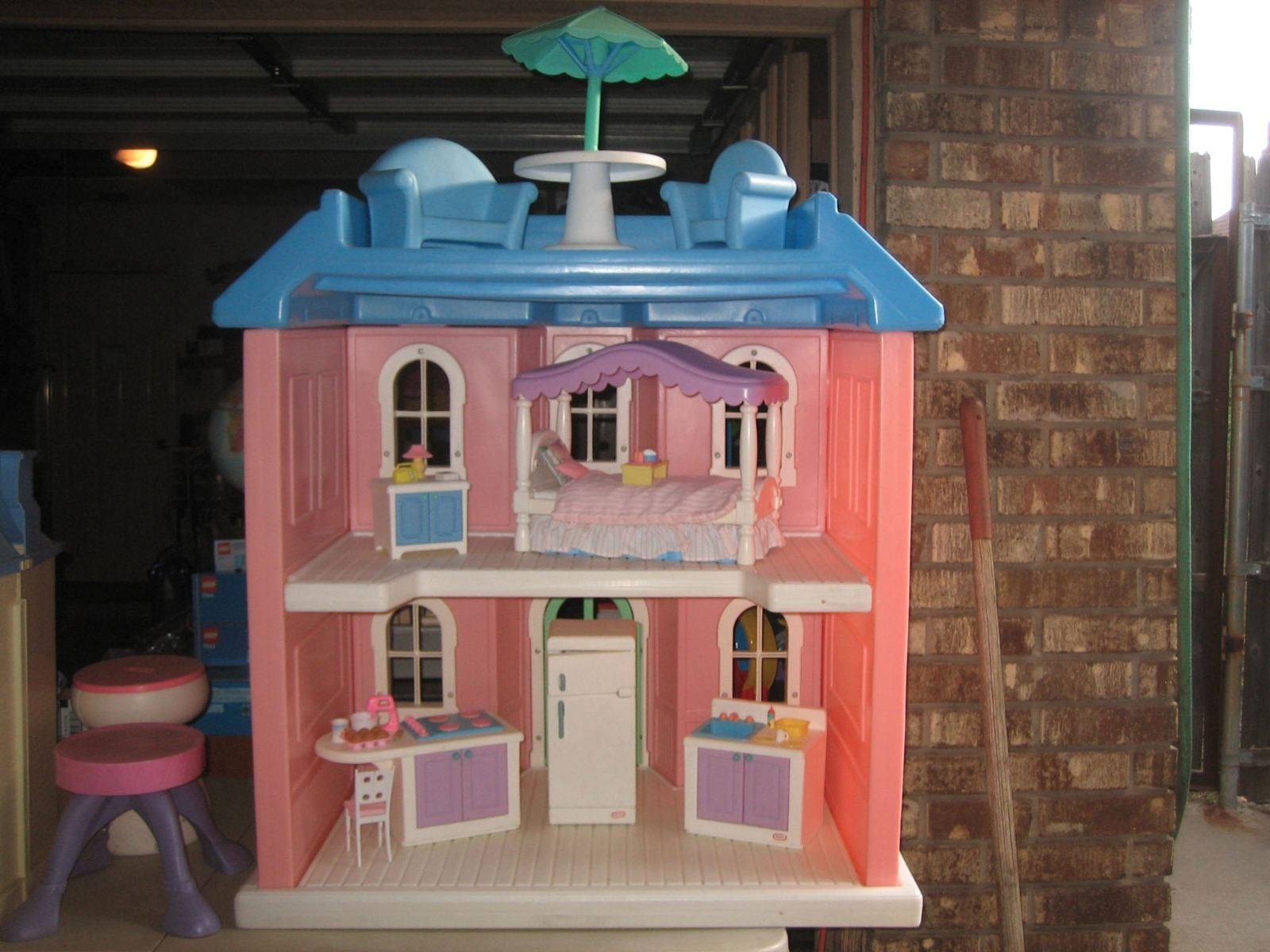 Great Little Tikes My Size Barbie Pink Doll House Complete With Furniture