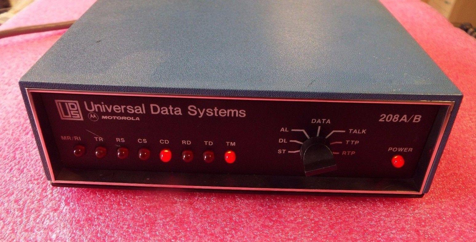Motorola UDS Universal Data Systems 208 A/B