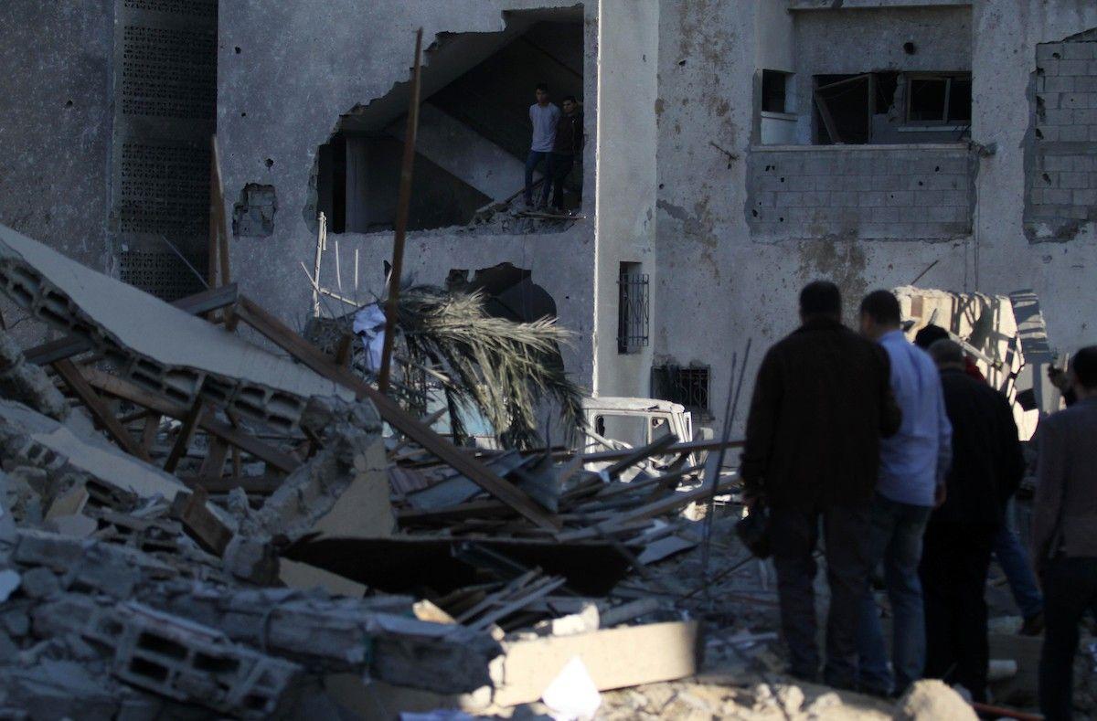 غز ة البحث عن الذكريات بين أنقاض البنايات فلسطينيات عرب 48 Road Alley Structures