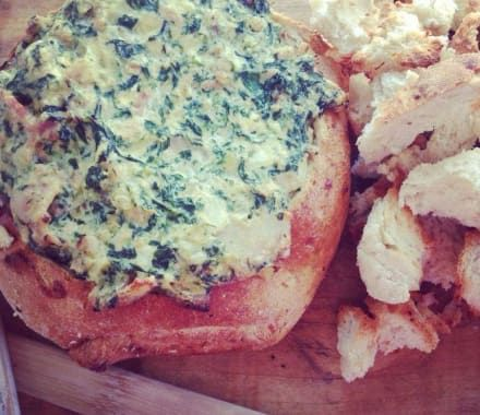 Quick and Easy! Spinach, bacon, cheese Cob Loaf.