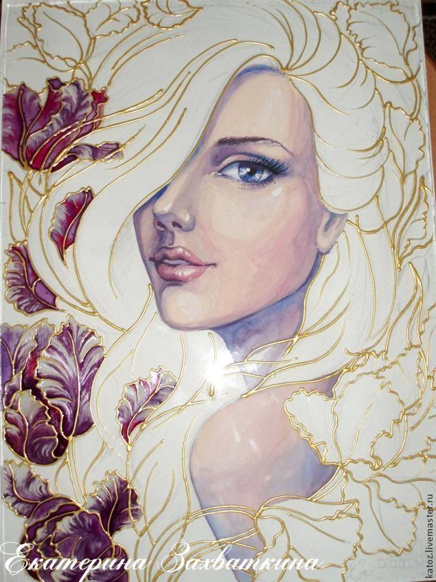 Девушка нарисованная синей гуашью