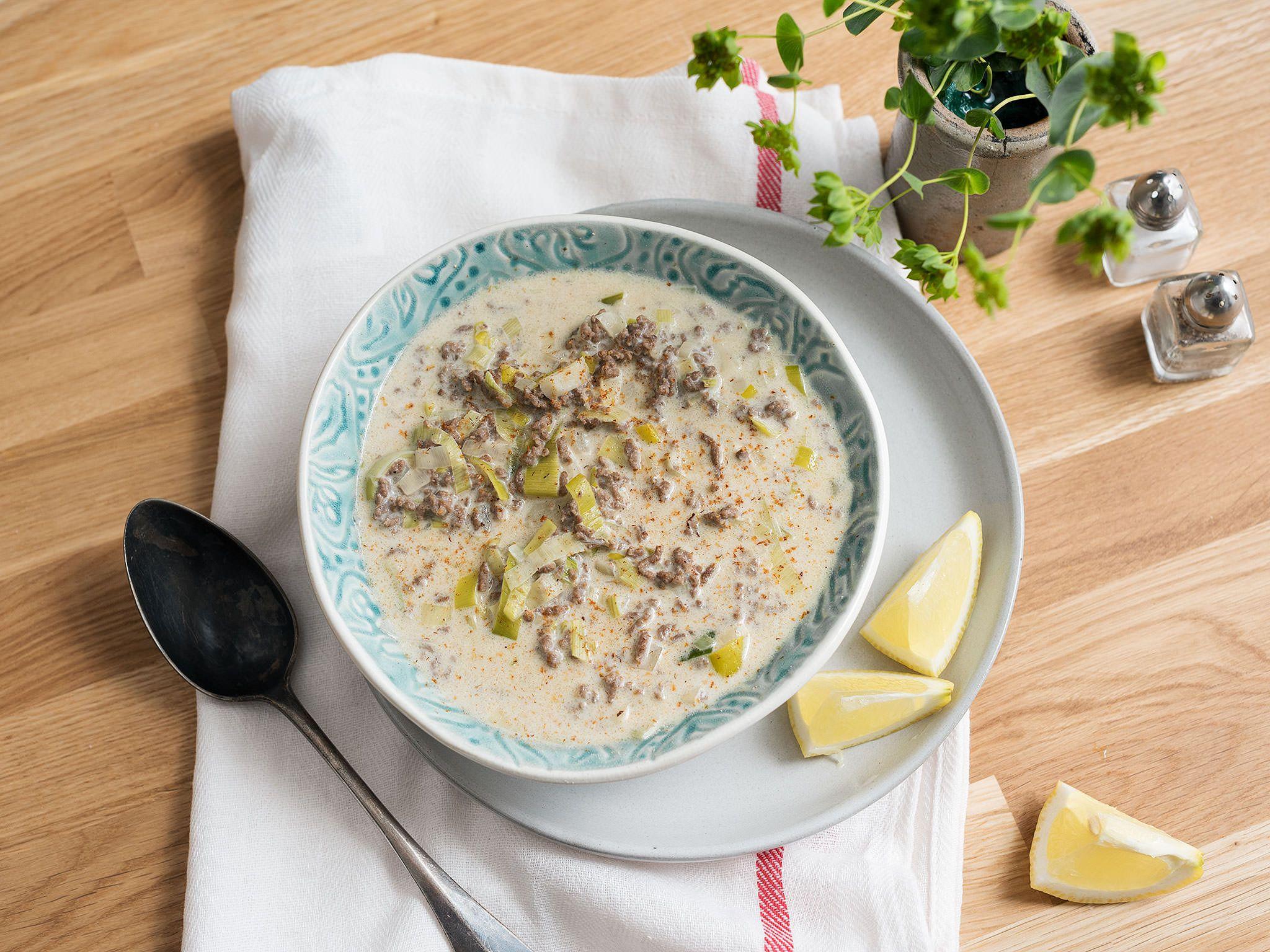 Köstliche Käse-Lauch-Suppe mit Hackfleisch | Kitchen Stories