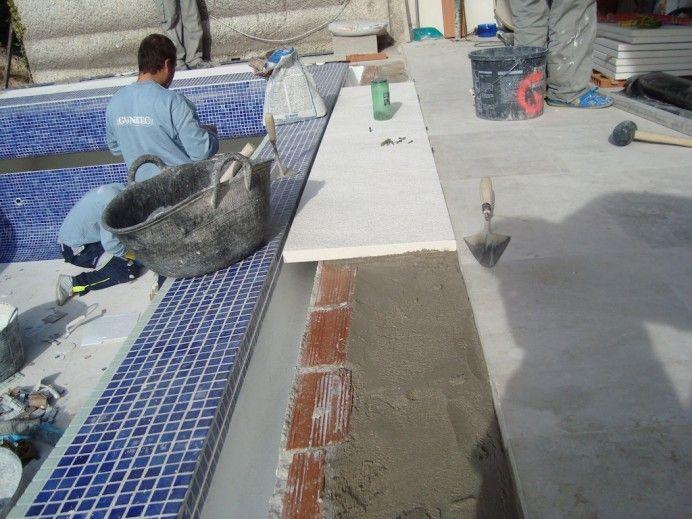 Piscina con infinity 692x519 como se realiza una piscina for Como se construye una piscina
